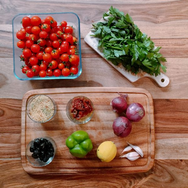 Select great ingredients. If you have decided to go for a flavored bulgur, try to pick one that is organic, that way you make sure that flavors are not too chemical.  It is very important to have fresh parsley, mint and real lemons.